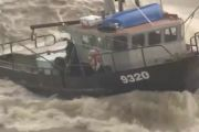 Incredible video - fishing boats in rough sea - Incredible video - fishing boats in rough sea